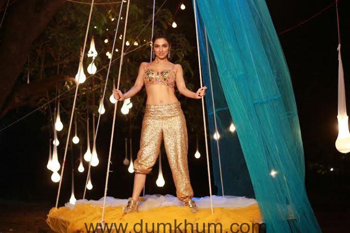 Divya Khosla Kumar in a dance song in her own film Sanam Re-1
