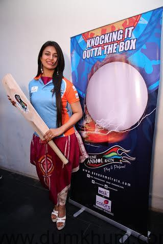 Divyanka Tripathi @ the Pune Anmol Ratn Team & Jersey launch