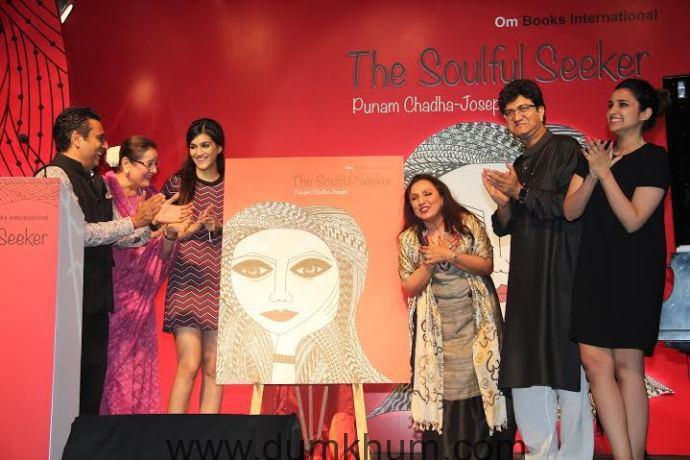Siddharth Kannan, Poonam Sinha, Kriti Sanon, Author Punam Chadha Joseph, Prasoon Joshi and Parineeti Chopra unveil the book- Teh Soulful Seeker.