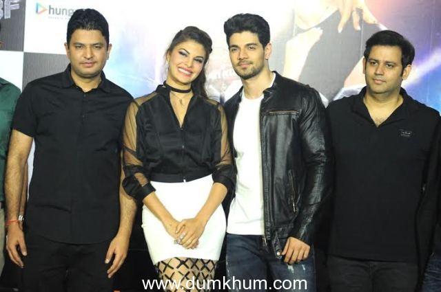 6. Bhushan Kumar, Jacquline Fernandes Sooraj Pancholi with Ajay Kapoor