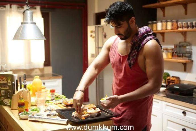 Kareena Kapoor earns the bread : While Arjun Kapoor butters it !