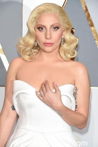 HOLLYWOOD, CA - FEBRUARY 28: Singer Lady Gaga attends the 88th Annual Academy Awards at Hollywood & Highland Center on February 28, 2016 in Hollywood, California. (Photo by George Pimentel/WireImage)