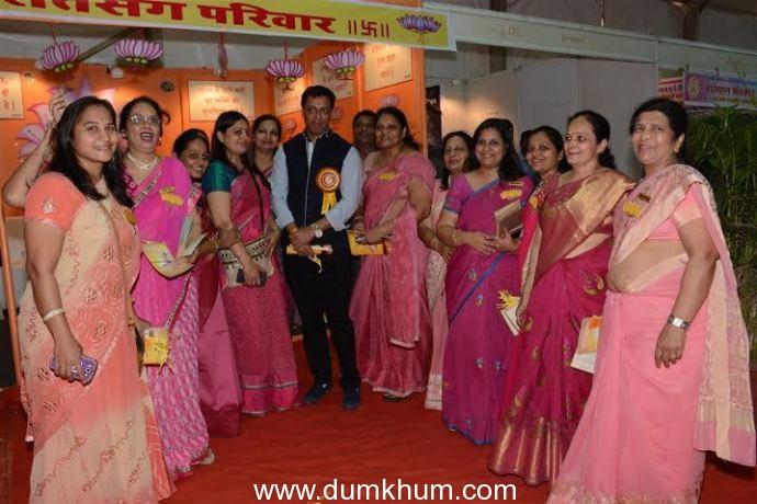 Madhur Bhandarkar at Hindu Spiritual & Srvice Fair 2016 (Custom) (Large)