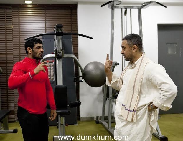 Sushil Kumar meets Aamir Khan