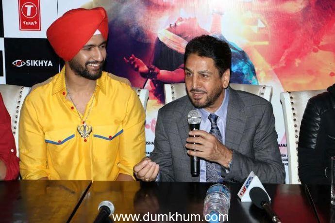 Vicky Kaushal's turban look in Zubaan's song 'Ajj Saanu O Mileya' is impressive! with Gurdas Mann