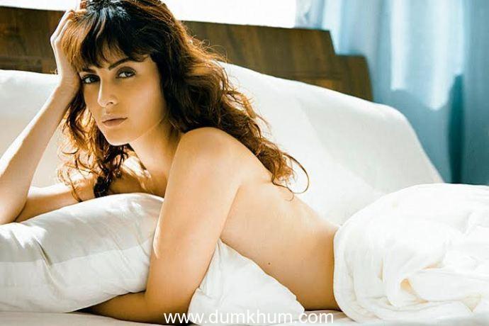 Mandana Karimi seems to be enjoying her innings in Bollywood.