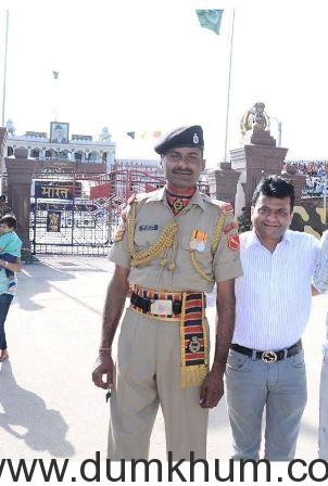 Aneel Murarka at Wagah Border (3).