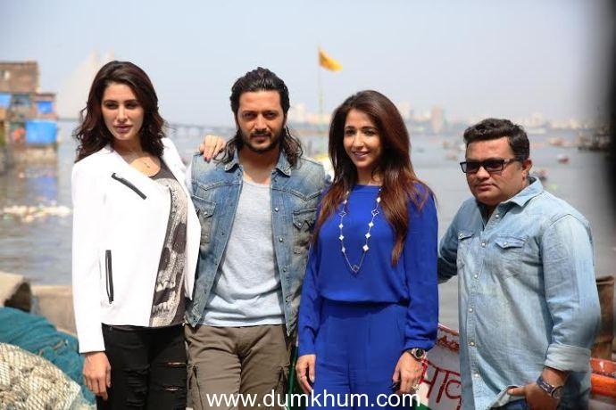 Here's how Genelia D'Souza surprised Riteish Deshmukh and Krishika Lulla on the sets of Banjo!