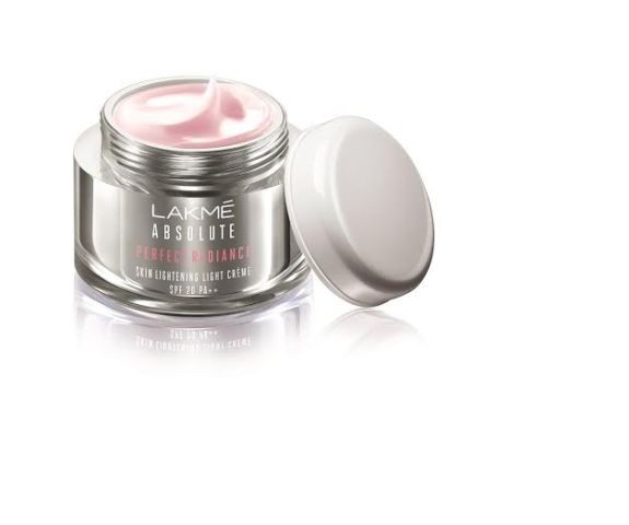 Lakme Absolute Perfect Radiance White ... Light Crème SPF 20 PA ++ - Rs 335