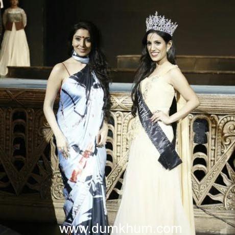 Mrs. Earth 2016 Priyanka Khurana Goyal dazzles the ramp at Festival of Art Fashion Show in Delhi--