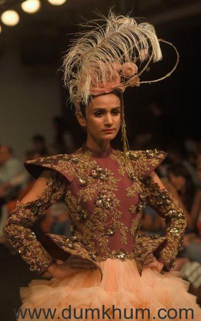 Models Walking the Ramp displ ... Lakme Fashion Week _