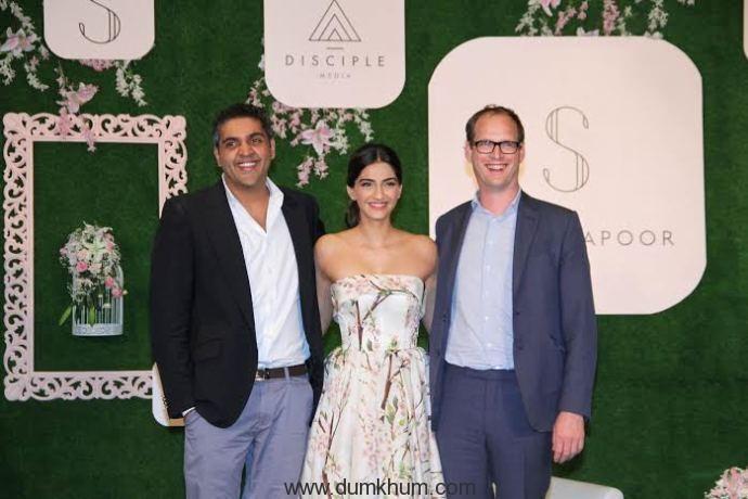 Sonam Kapoor,varun Talreja & CEO of Disciple Media, Benji Vaughan1