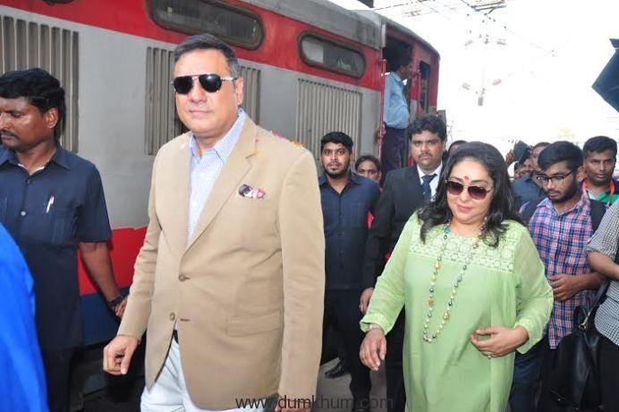 Bollywood Actor Boman Irani and Director Meghna Gulzar receive India's 1st ever family food train - Kurkure Family Express in Mumbai