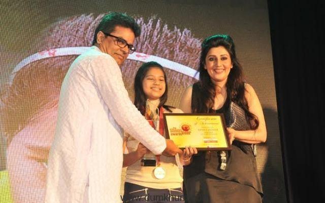 Diya Chitale being Awarded ... Ashfaque Khopekar