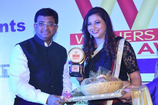 Gurpreet Kaur Chadha getting the WOW Award