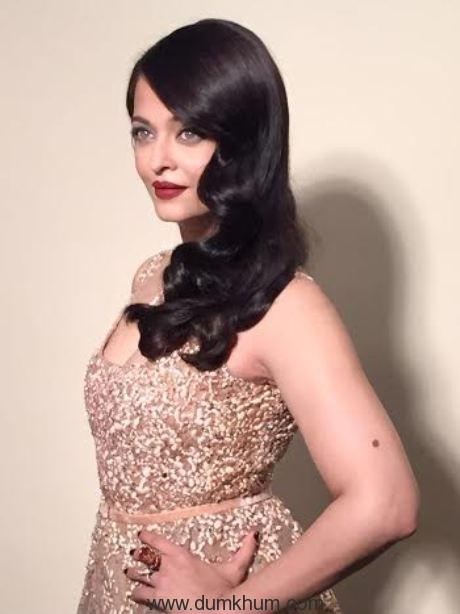 L'Oreal Paris ambassador Aishwarya Rai Bachchan _First look _Day 2 at Cannes Film Festival_1