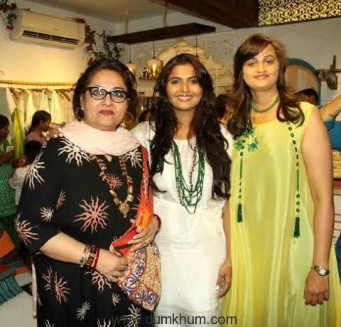 Reena Roy with Bhumika & Jyoti.