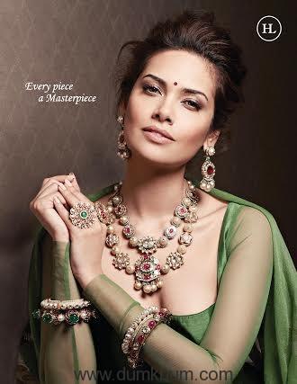 https://dumkhum.com/wp-content/uploads/2016/06/Esha-Gupta-donning-jeweller-...-ilal-by-Sandeep-Narang.jpg
