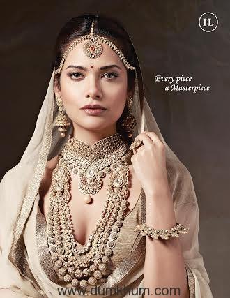 Esha Gupta donning jeweller ... ilal by Sandeep Narang'