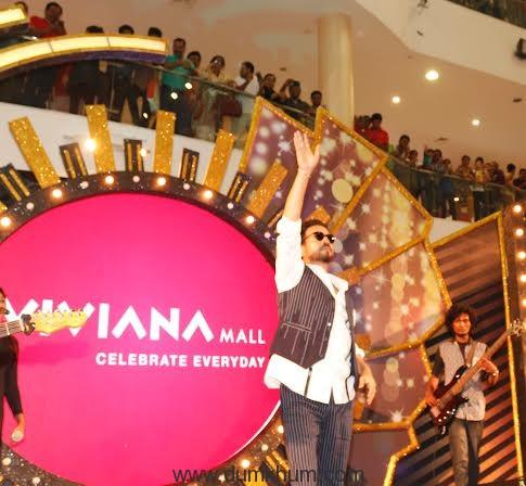 - Irrfan Khan at Vivian mall,,