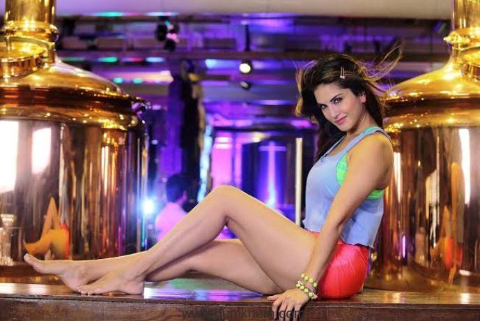 Sunny Leone(1)