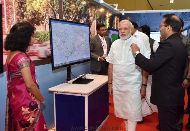 The Prime Minister, Shri Narendra Modi visiting the Smart Cities Exhibition, in Pune on June 25, 2016.