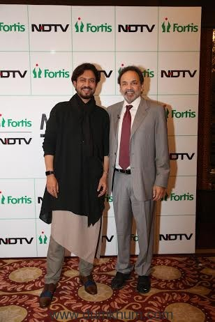 Dr. Prannoy Roy, Founder and Executive Co-Chairperson, NDTV and Irrfan Khan, Campaign Ambassador, NDTV-Fortis More To Give campaign