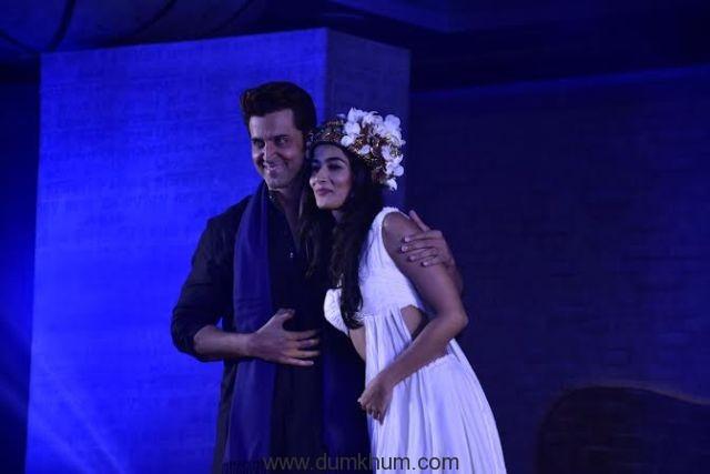 Hrithik Roshan & Pooja Hegde -2