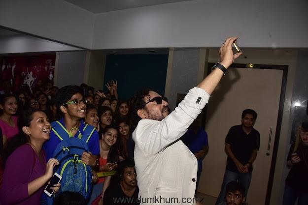 Irrfan Khan promotes Madaari at Mithibai College