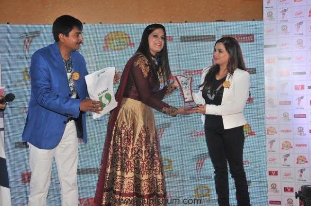 Kanika Maheswari being Awarded