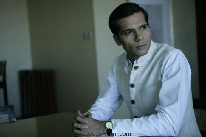 Shudh Hindi lessons for Neil Bhoopalam for 24: Season 2