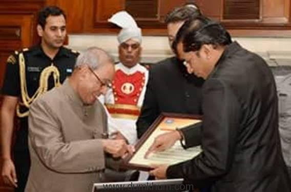 Presentation of the Asia Top 25 Universities to Hon'ble President-1