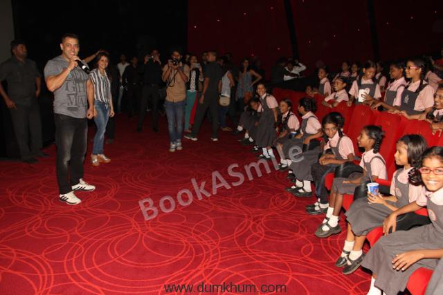 Salman Khan and Farzana ... cial 'Sultan' screening-