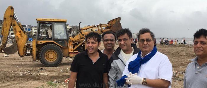 Subhash Ghai cleans Mumbai's Versova Beach-1