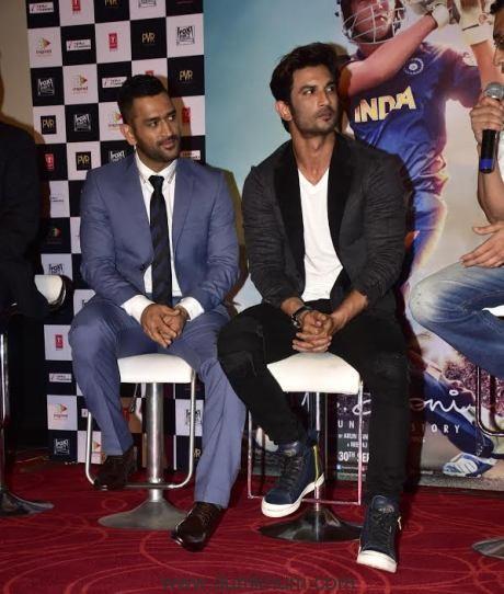 M S Dhoni & Sushant Singh Rajput 3