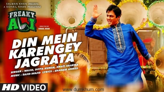Nawazuddin shakes a leg onscreen-