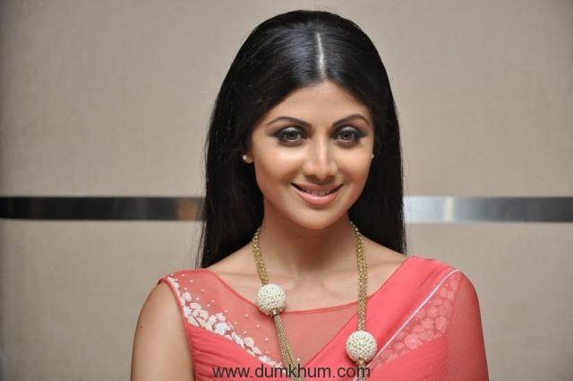 Shilpa Shetty - close