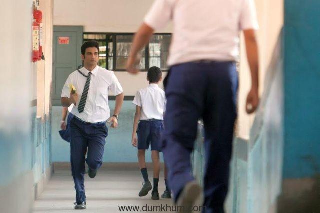 Sushant Singh Rajput playing Dhoni-
