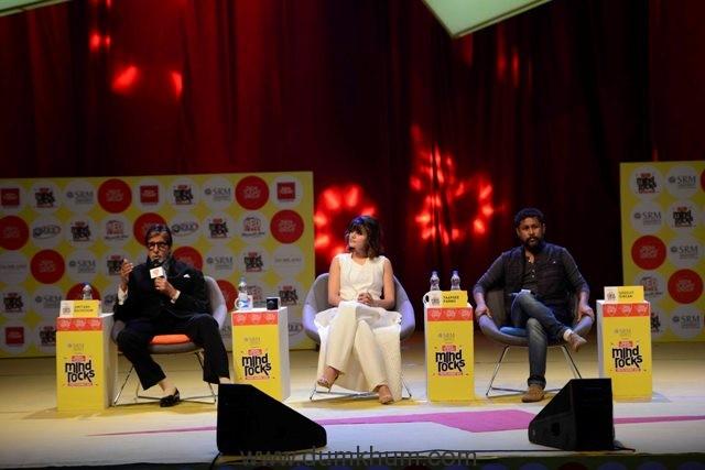 amitabh-bachchan-tapsee-pannu-and-shoojit-sircar-at-india-today-youth-summit-2016-1