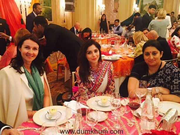 Kanika Kapoor traveled to Paris to promote Indian textiles !