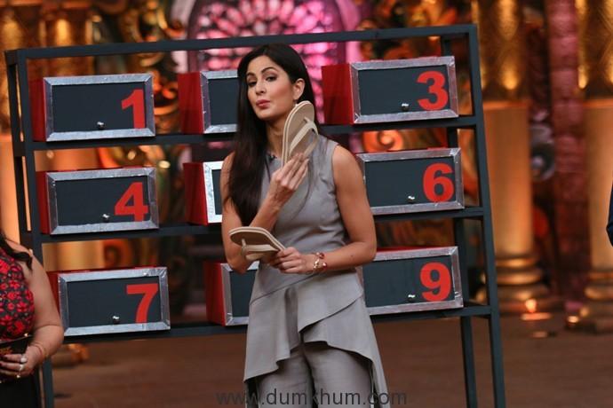 katrina-kaif-finds-a-new-job-on-comedy-nights-bachao-1