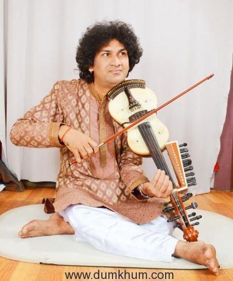 naviin-gandharv-performing-6