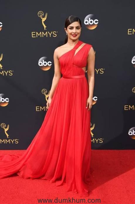 priyanka-chopra-looks-stunning-in-scarlet-at-the-emmys