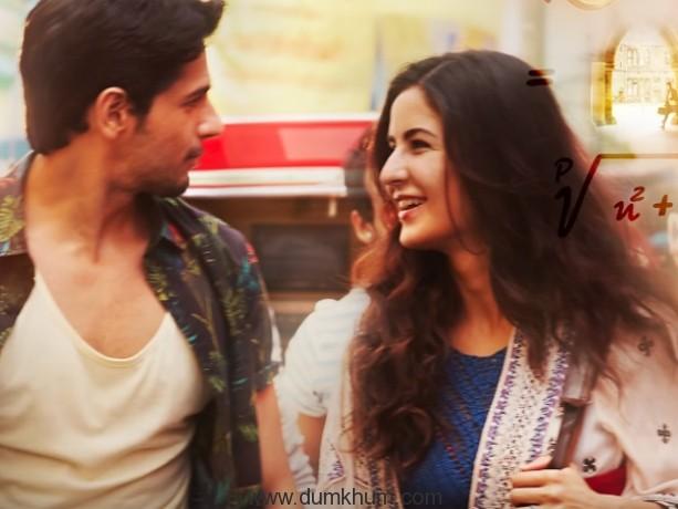 Sidharth takes Katrina to his college in Delhi.