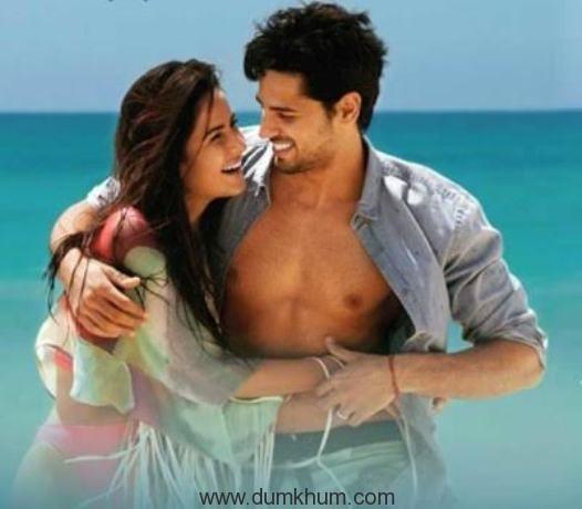 This new song 'Dariya' from Baar Baar Dekho redefines romance!