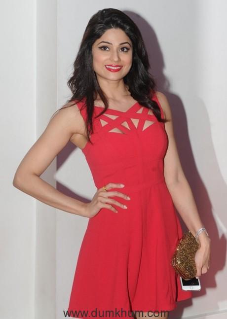 Shamita Shetty to perform on Shilpa Shetty's songs in Cape Town!