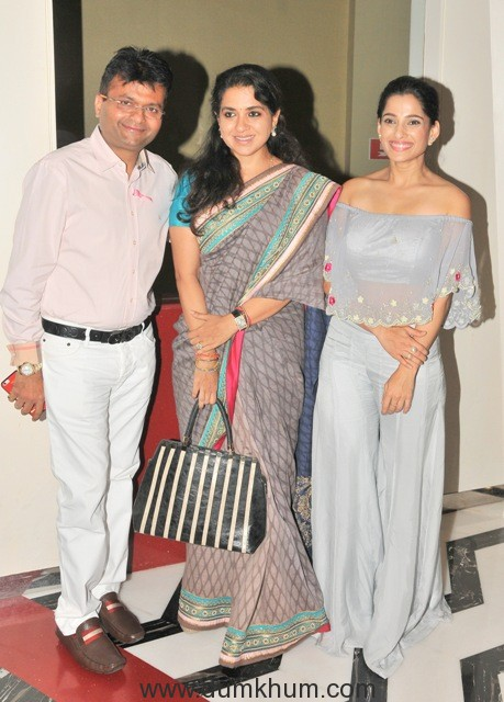 10-aneel-murarka-with-shaina-nc-and-priya-bapat