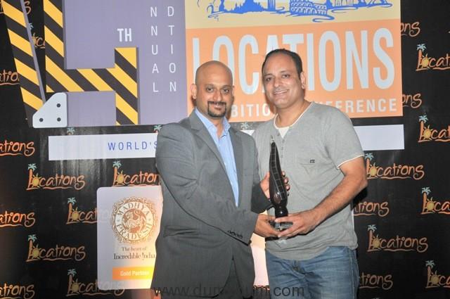 16-prashant-virendra-sharma-receving-location-award-2016