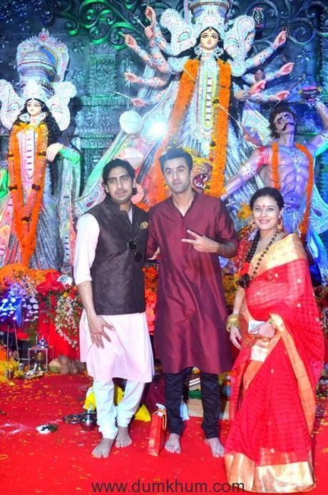 3-ayan-mukherjee-with-ranbir-kapoor-and-sharbani-mukherje-dsc_0507