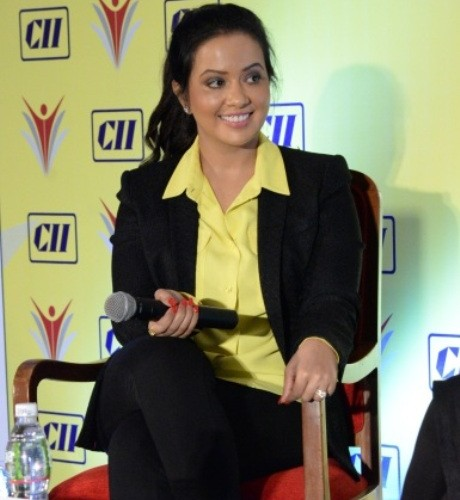 Don't give up working, maintain your own identity:   Amruta Devendra Fadnavis